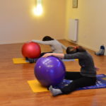 Spine strech avec gros ballon - méthode Pilates